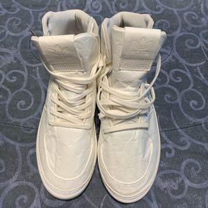 Adidas brand new Tubular white sneakers sz 7.5